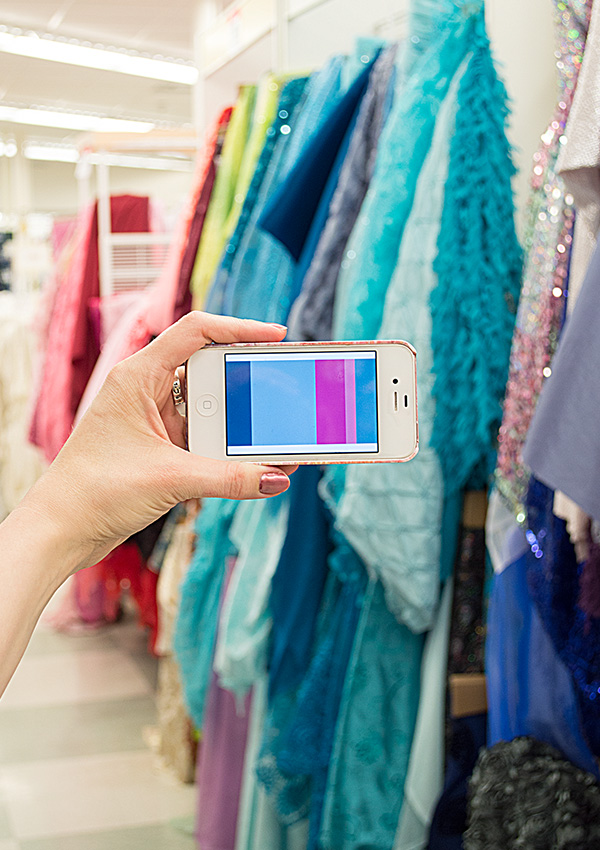 Using color palettes while you shop